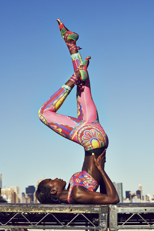 Nike_Tight_of_the_Moment_Magical_Kaleidoscope_3_large-thumb-480x719-38731.jpg